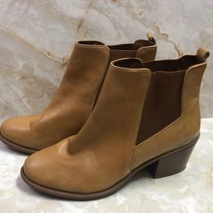 INC tan heeled booties with gold accent sz 9
